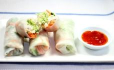 These lovely Thai chicken rice paper rolls are a tasty way to use up leftover chicken breast for a quick lunch or dinner. Perfect for lunch boxes.