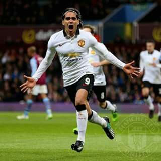 Radamel Falcao very happy after make goal :D