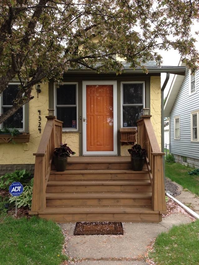 Two Storey Bungalow House Design: Arts And Crafts / Craftsman Style Deck Front Steps. 1 1/2