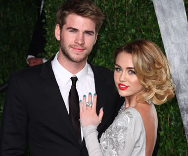 who is dating miley cyrus 2013