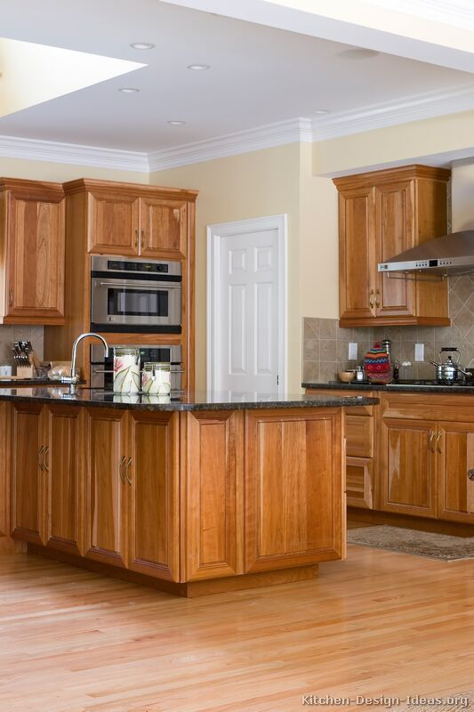 medium brown kitchen cabinets 98 best two tone kitchens images on pictures 23163