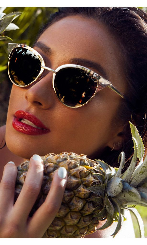 I want this sunglasses from shay Mitchell collection soo much!!