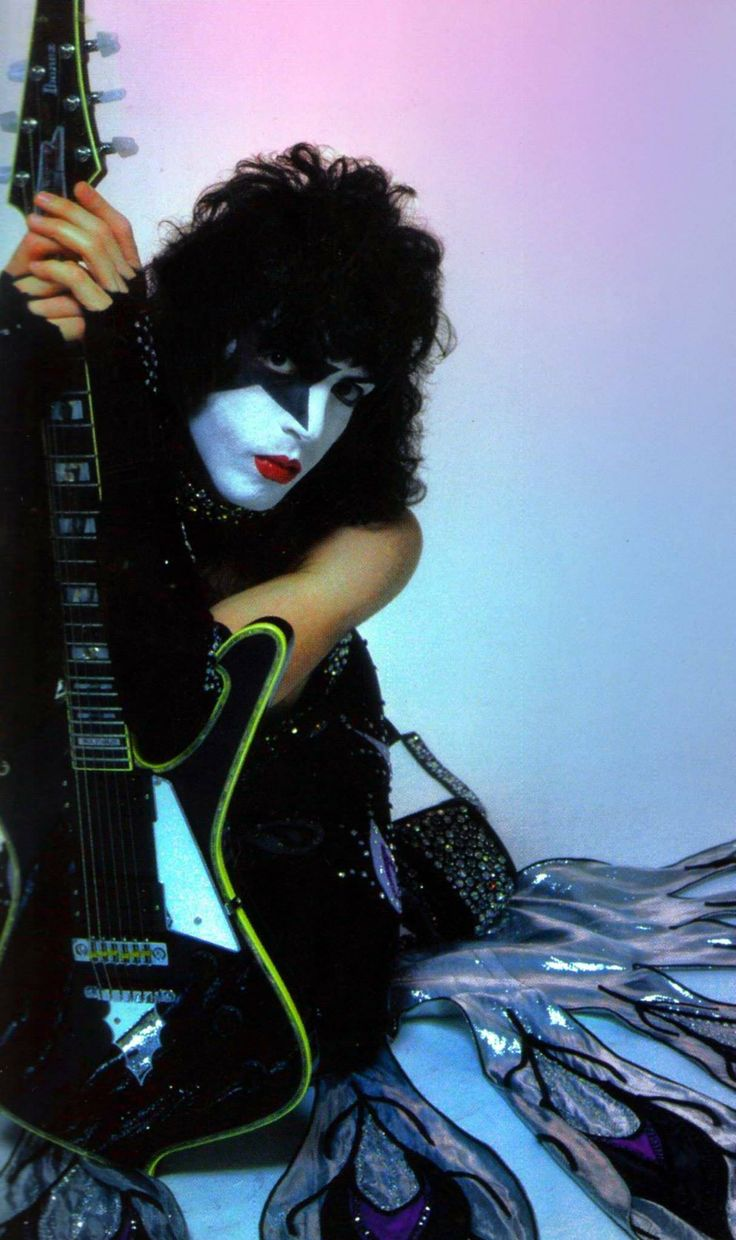 208 best images about Kiss the band on Pinterest | Army ...