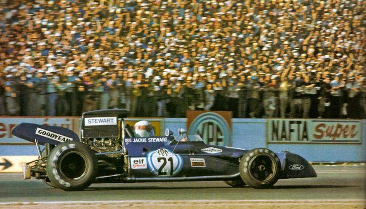 #21 Jackie Stewart (GB) - Tyrrell 003 (Ford Cosworth V8) 1 (2) Elf Team Tyrrell