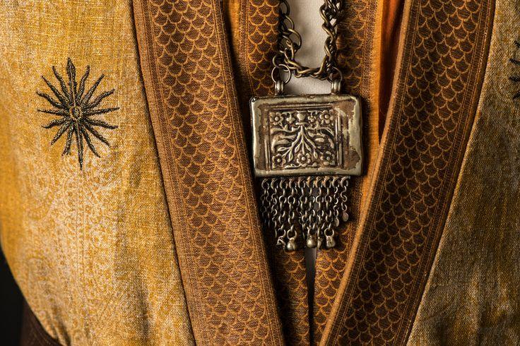 Oberyn Martell, necklace. https://se.pinterest.com/lovebooksabove/game-of-thornes-jewellery/