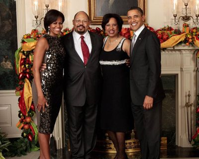 Michelle Obama's 'no-bid' friend spent Christmas at the White House  Why weren't there other bids on such an expensive project? Why was it so expensive ?10/30/13