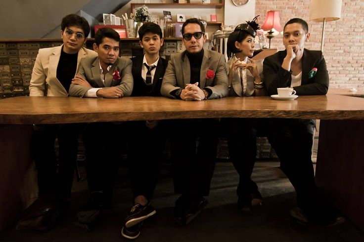 Maliq & D'Essentials adalah sebuah grup musik beraliran jazz yang berasal dari Jakarta, Indonesia. Maliq adalah kepanjangan dari Music And Live Instrument Quality. Sejak penampilan pada pergelaran Jakarta International Jazz Festival 2005, popularitas mereka semakin meningkat terutama di kalangan anak muda Jakarta.
