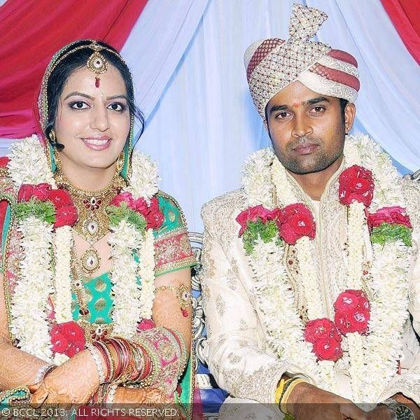 India fast bowler R Vinay Kumar married his long-time girlfriend Richa on 28th November 2013. The 29-year-old, who was part of the Indian team in the ODI series against West Indies, met Delhi girl Richa a few years ago.