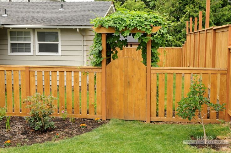 Cedar gates & cedar gate designs at Rick's Custom Fencing & Decking. Find the perfect cedar gate for your needs among our vast wood fence gate selection today!
