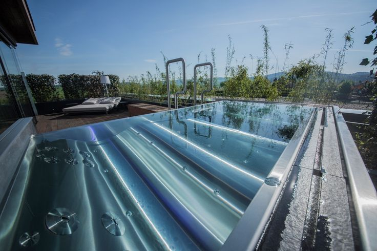 Relax in stainless steel pool Imaginox in hotel wellness