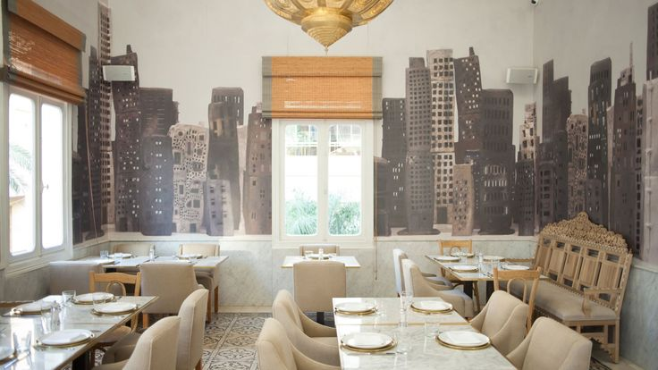 The LIZA restaurant resembles a lavishly decorated private apartment. Luxurious without being ostentatious, its cosmopolitan atmosphere brings the walls of the former Abdallah Bustros Palace that it inhabits, alive once again...