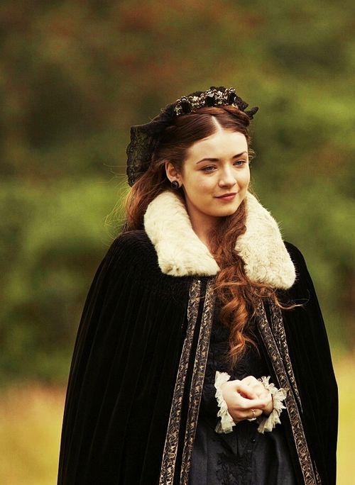 Princess Mary - Sarah Bolger in The Tudors, set between 1519 and 1547 (TV series 2007-2010).