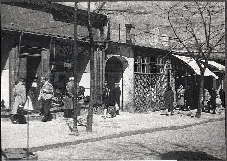 Zdjęcie numer 18 w galerii - Gazowe latarnie, brydż na plaży, warszawy na ulicach - Sopot w latach 50. i 60. [ZDJĘCIA]