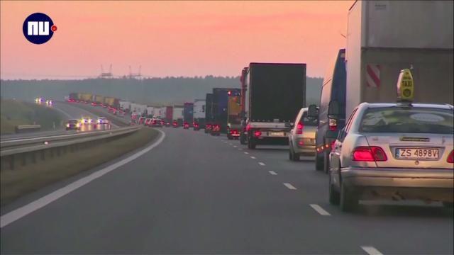 Vrachtwagenchauffeurs eren gedode collega bij aanslag Berlijn