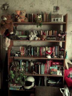 Adri könyvmoly könyvei: Mutasd a könyvespolcod!