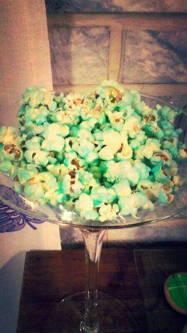 Palomitas azules.  Blue popcorn