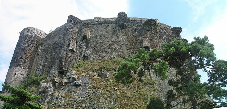 Chateau of Murol that overlooks the town of Murol and Lake Chambon (not to be confused with the castle of the same name in Saint-Amant Tallende)