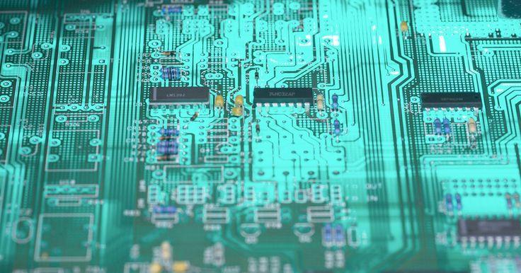 Cómo realizarle un overclock a una GPU integrada. Una tarjeta de video discreta, o dedicada, en una computadora sin duda mejora el rendimiento gráfico. Sin embargo, agregar una tarjeta de video discreta también eleva considerablemente el costo de una computadora. Por esta razón, muchos fabricantes de placas madres y sistemas incluyen chipsets GPU en sus placas para reducir los costos a los ...