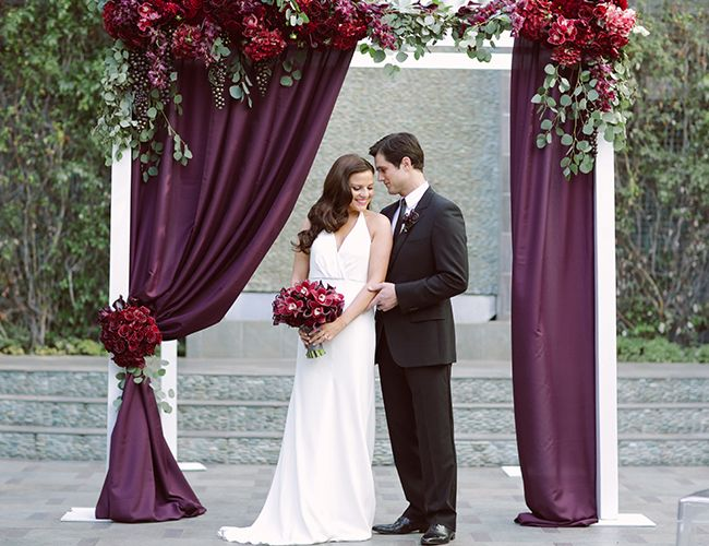 Sophisticated Contemporary Wedding Ceremony In: Modern Glam Wedding Inspiration