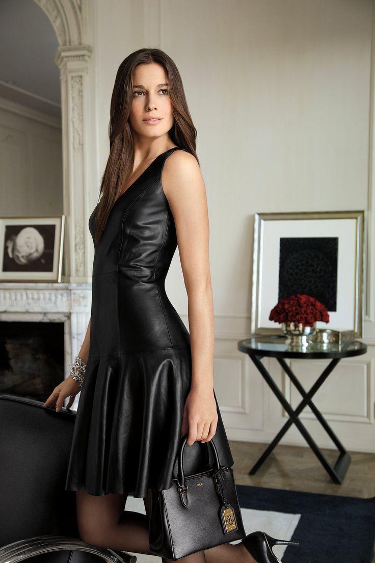 женщин кожаных нарядах красивые в фото