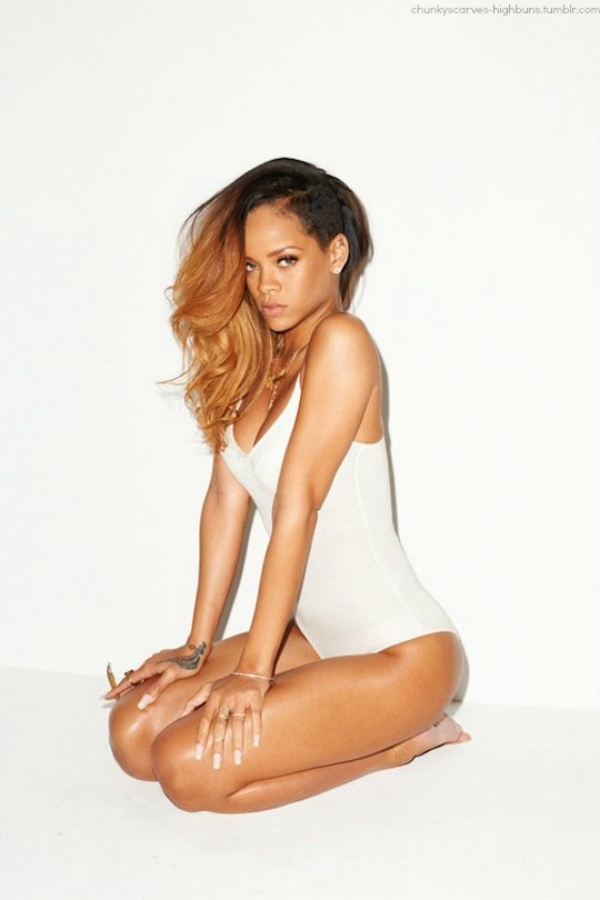 Love her hair color & she rocks that hairstyle - RiRI