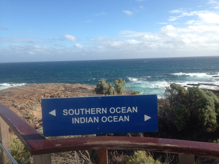 In the middle of oceans / Leeuwin / South Australia