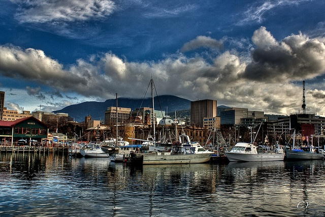 I really, really love this town.  Can't wait to go back.  The food is good - everywhere! Hobart, Tasmania - Constitution Dock.