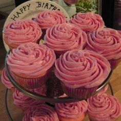 Big Red Cupcakes, these are my favorite cupcakes....It mixes my two favorite things.... Cupcakes, and Big Red Soda