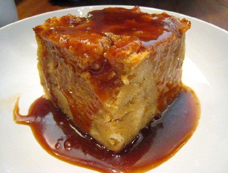 El budín de pan es un clásico de la cocina dulce y éste en particular combinado con café resultará bien gustoso