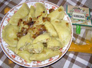 W Mojej Kuchni Lubię.. : pierogi z kurkumą i ruskim nadzieniem z majerankie...