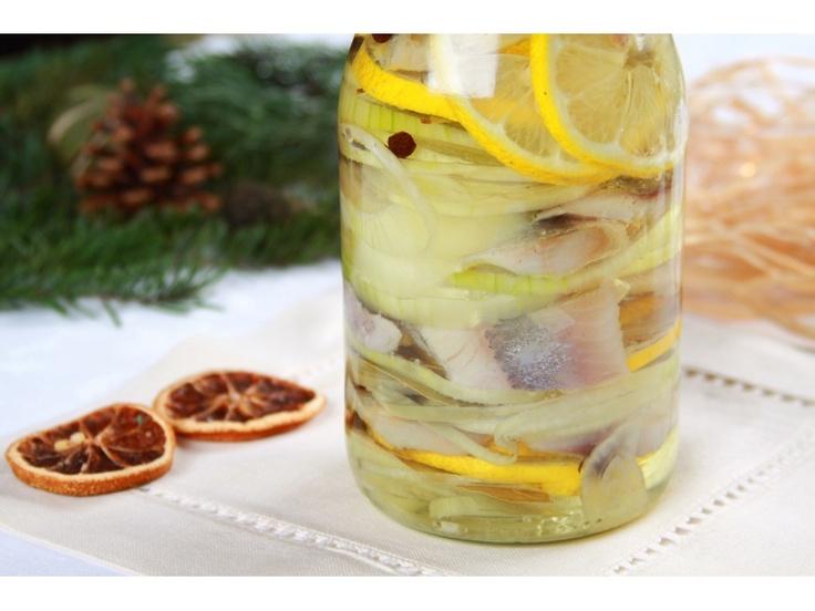 Śledź z cebulką w oleju: Oleju Herring, Food Poland, Nałóż Kawałki, Cebulę Pokrój, Christmas, Małe Kawałki, Śledzi Pokrój, Olives, Polish Food