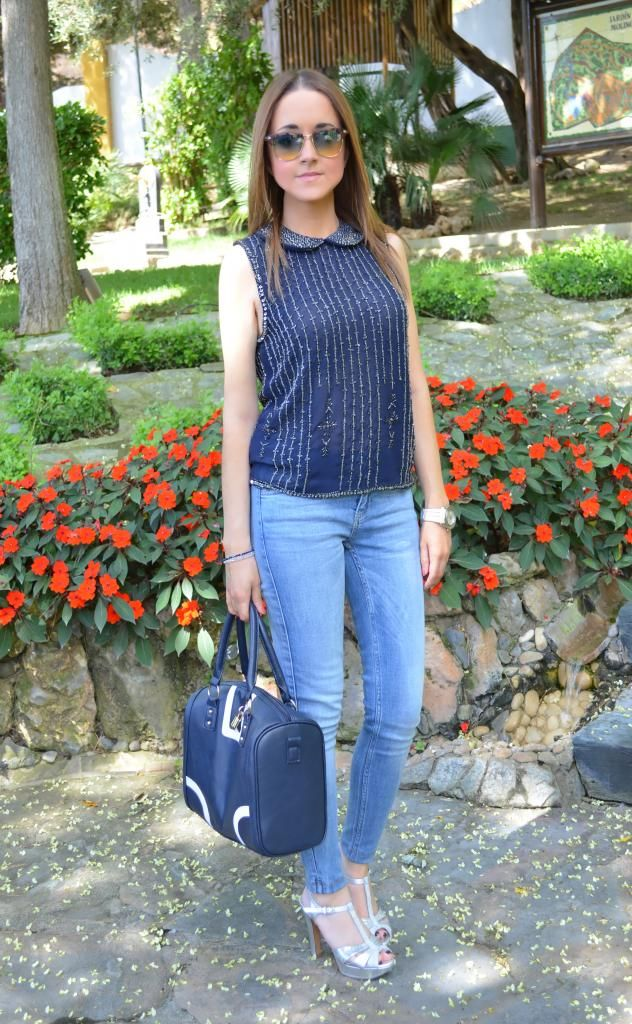 Blue sequins 27-7-2014  Blusa & Jeans : Zara (Rebajas) Bolso : Primark Tacones : Lodi
