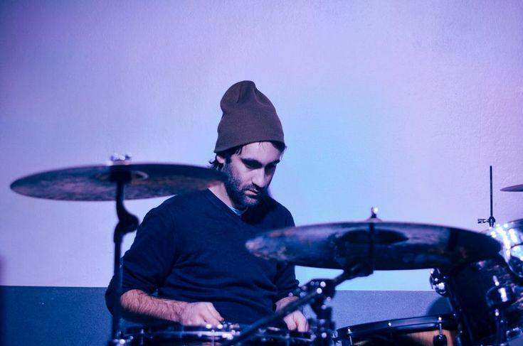 Matteo Canali. 19/11 Born by Chance e La Suerte, live al Circolo Libero Pensiero, Lecco. Fotografie di Chiara Arrigoni. #musica #lecco #concerto #bornbychance #liberopesiero #venerdì #drum #drummer #batterista #cymbal