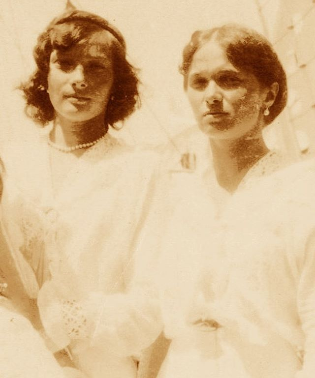 Grand Duchesses Olga and Tatiana! I've never seen this one before