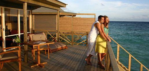 Google Image Result for http://www.maldivesreviews.com/wp-content/uploads/2010/04/maldives-honeymoon.jpg