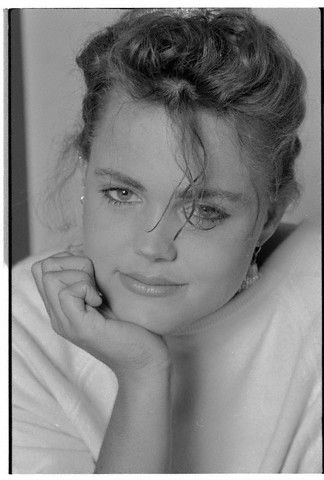belinda carlisle who they thought I looked like in HS