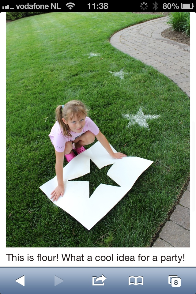 garden decoration voor (kids)party made with flour.