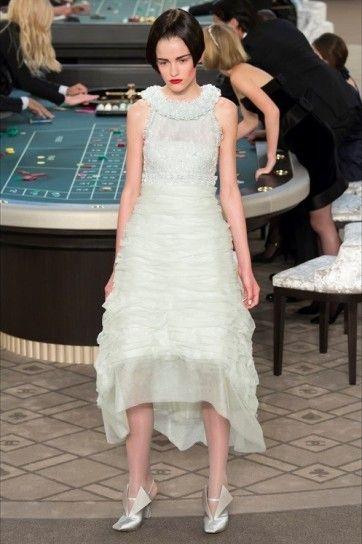 Abito Haute Couture verde menta Chanel - Abiti da sposa Haute Couture Autunno/Inverno 2015/2016: modello dalla nuance tenue, a girocollo