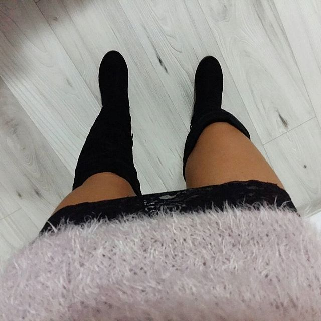 Comfy&cozy look. #ootd #outfitoftheday #kneehighboots #lingeriedress #sweaterdress #zara #orsay #asos #fblog #fblogger #instablog #instablogger #fashion #liketkit