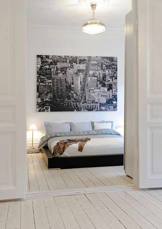 15 Examples of Decorating with Large Scale Photos: City Scene in a White Bedroom