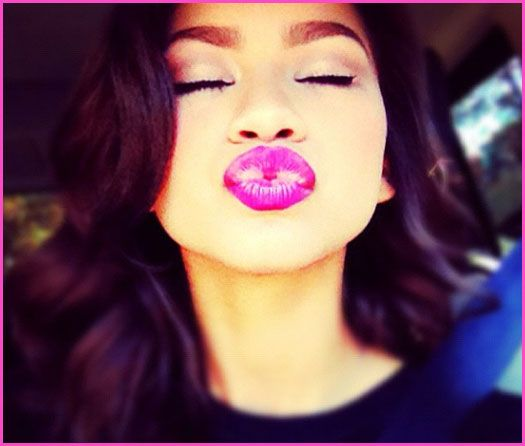 Zendaya Coleman Shares A Kiss And Shows Off Her New Nails