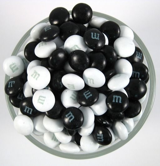 m&ms for a black and white dessert table - buy them here:  http://www.nuts.com/chocolatessweets/m-m/black-white.html  1lb - 12$