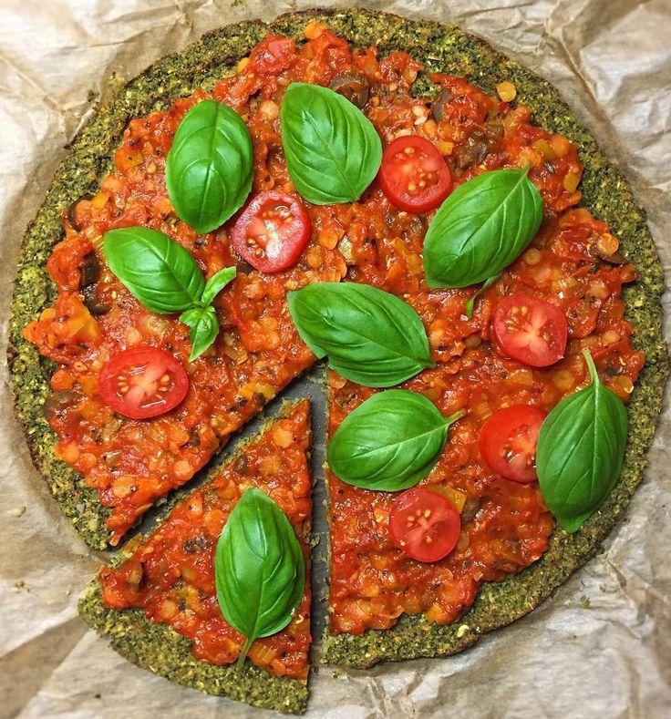 Brokuł nie zawsze musi lądować w zupie lub jako dodatek na talerzu ;) Można też zrobić z niego pizzę  #vege #vegan #veggie #veggies #veganism #vegelove #vegepower #vegerunner #pizza #govegan #health #veganmasterchef #healthyeating #healthychoices #healthylifestyle #polishboy #Kuchnia #weight #biegacz #ultratraining #homemade #polskabiega #tasty #vrcrun #runvrc #vrc #motivation #inspiration #wybieganakuchnia #glutenfree by vegeneratbiegowy