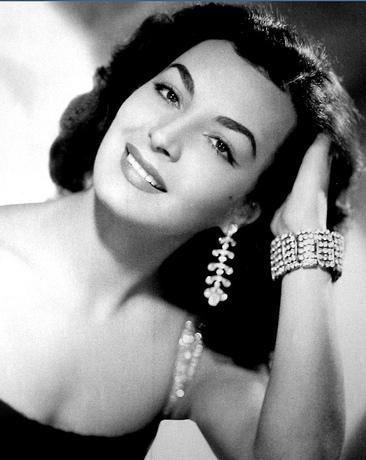 Elsa Irma Aguirre Juárez es una actriz mexicana, considerada como una de las divas de la Época de Oro del Cine Mexicano. Es hermana de la también actriz Alma Rosa Aguirre.