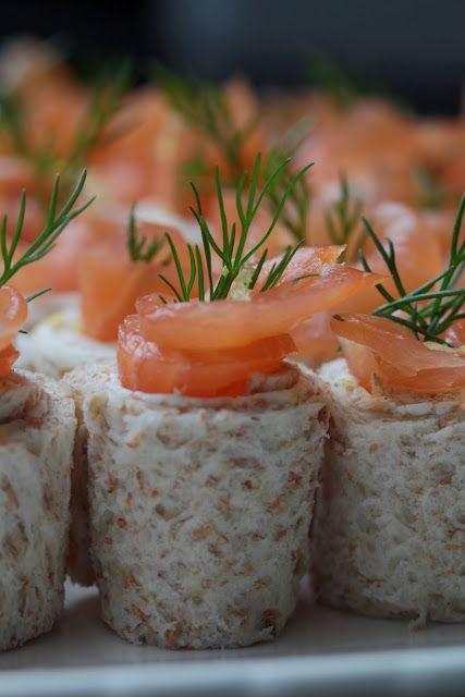 Ondinecheznanou.blogspot.com | Petits rouleaux au saumon fumé , St Môret  , citron , aneth  pour l'apéritif |           Je vous propose une recette facile , très fraîche ,toute simple pour l'apéritif : des ...