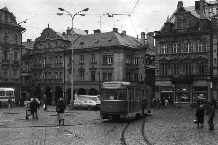 Liberec Benešovo námestie pred rokom 1989  OBRAZEM: Tváře českých měst za socialismu a dnes — Regiony — ČT24 — Česká televize