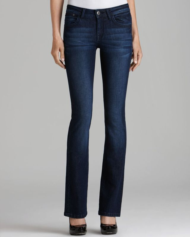 Curvy Fashion - The Best Jeans for an Hourglass Figure: Bootcut Jeans