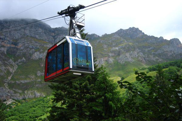 Asomarse a los Picos de Europa desde Fuente Dé con su teleférico  #Cantabria #Spain