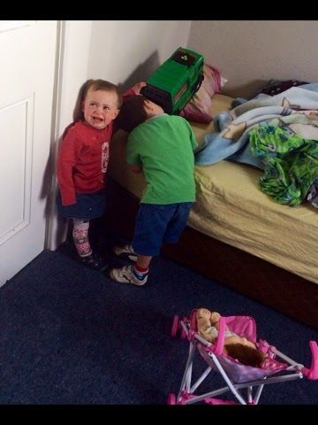 Findiesworld : Reasons toddlers throw tantrums.
