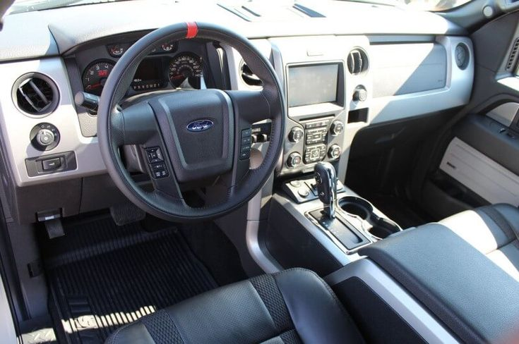 2013-Ford-Raptor-Interior